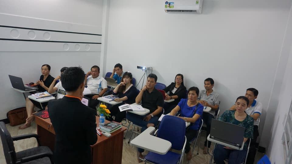 lop-facebook-ban-hang-az-coach-can-tho-buoi-3  (26)