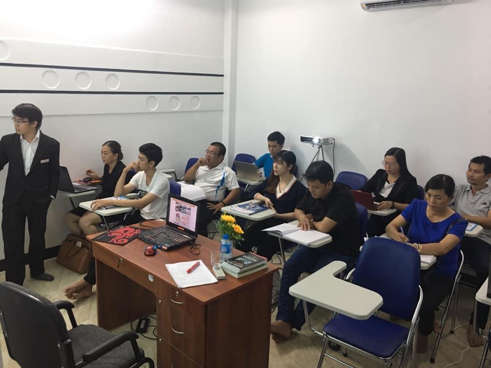 lop-facebook-ban-hang-az-coach-can-tho-buoi-3  (30)